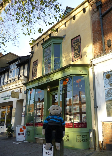 Mooch monkey at the Oldest Shop in England