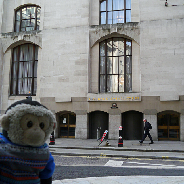 Central Criminal Court main entrance, Old Bailey - Mooch monkey